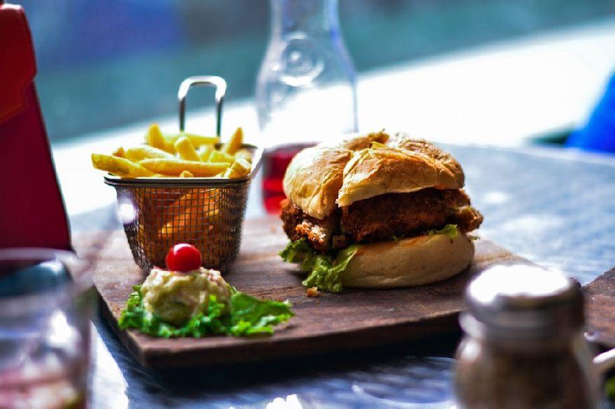 Imbiss 7th Heaven Burger mit einzigartigen Burgern in Magdeburg.